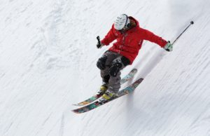 freerider-skiing-ski-sports-47356-300x194.jpeg